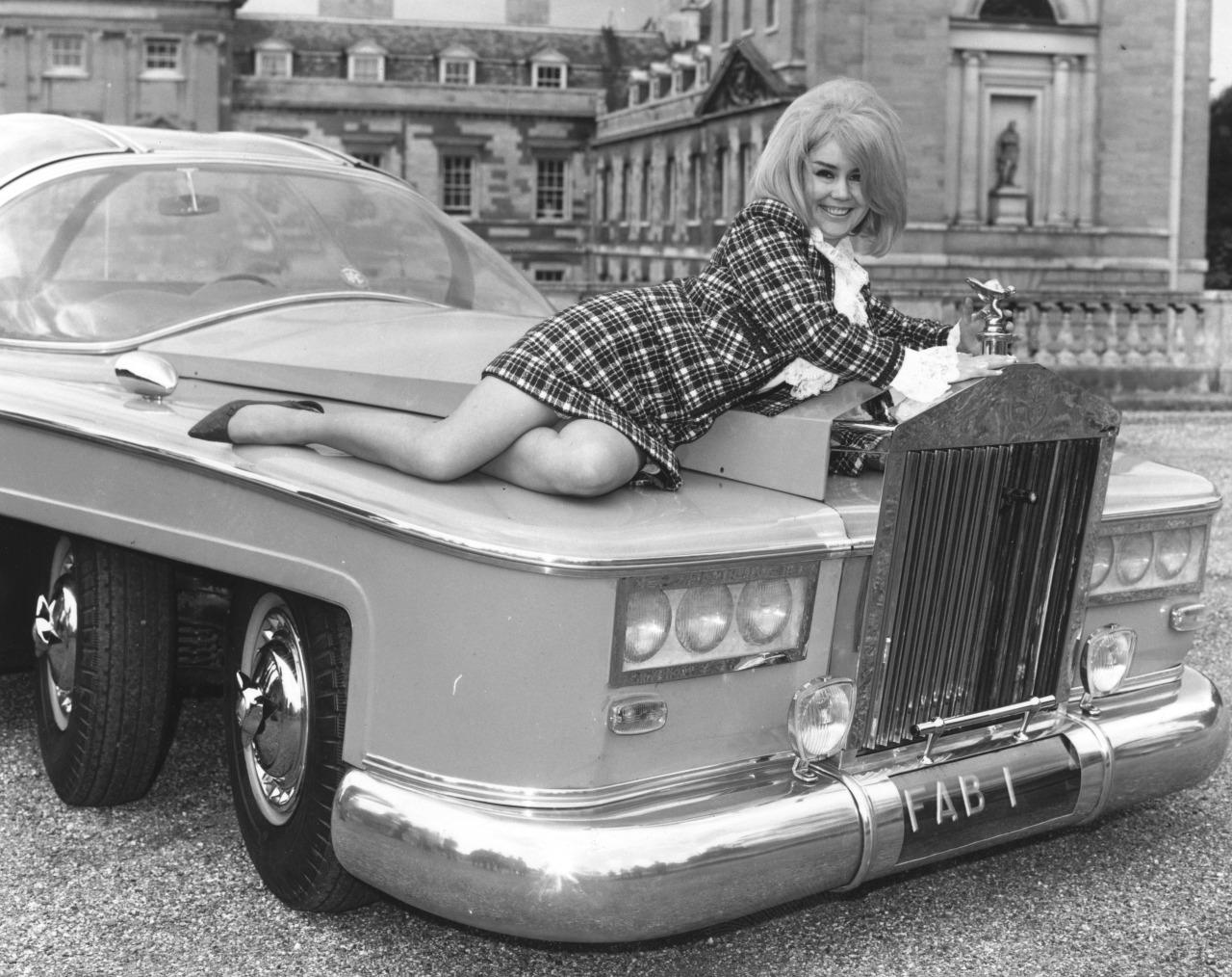 Penny Snow a Woburn Abbey 1968
