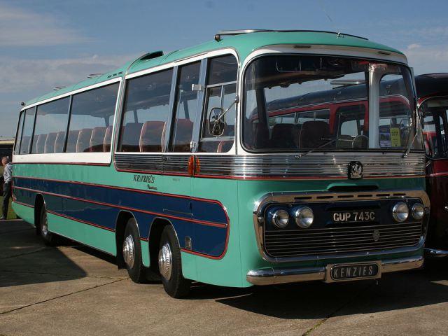 bedford-twin-steer-coach-gup743c